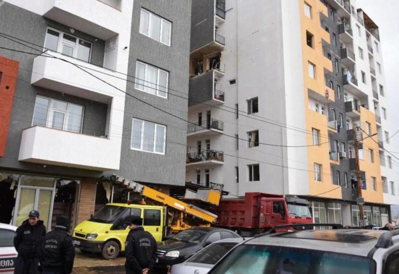 В жилом доме в Тбилиси произошел взрыв