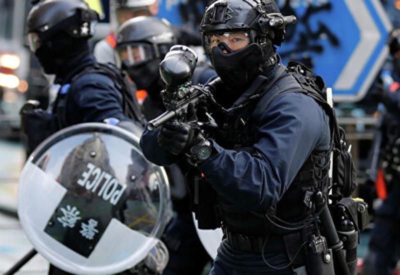В Гонконге полиция применила слезоточивый газ при разгоне демонстрантов