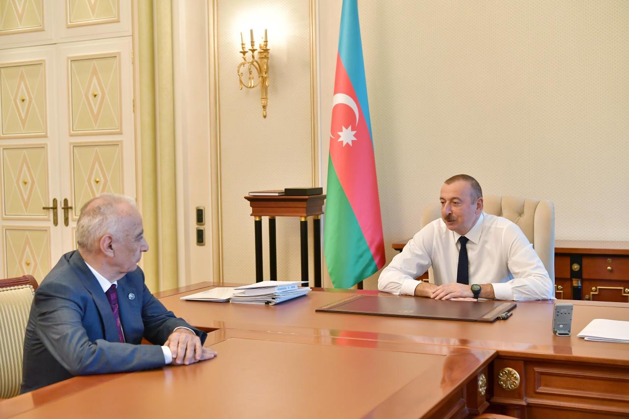 Президент Ильхам Алиев принял  Гаджибалу Абуталыбова в связи с поданным им заявлением об отставке