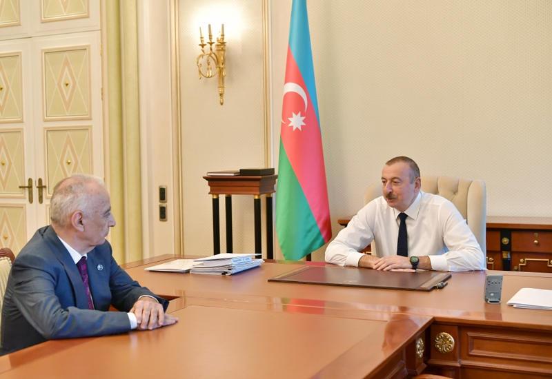 Президент Ильхам Алиев: В отличие от некоторых сегодняшних трусов, именующих себя «лидерами», Гейдар Алиев был готов выступить против любой опасности, пойти на любые лишения
