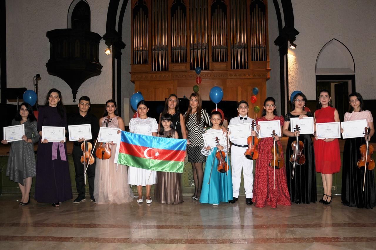 Проект Филармонии «Gənclərə dəstək» представил праздничный концерт «Мой Азербайджан»
