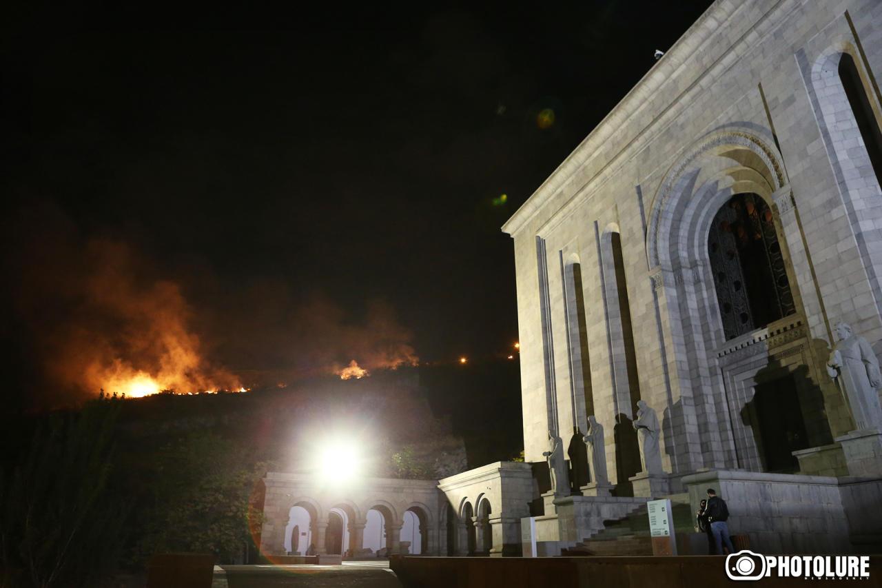 Очередная фальшивая годовщина Еревана завершилась крупным пожаром