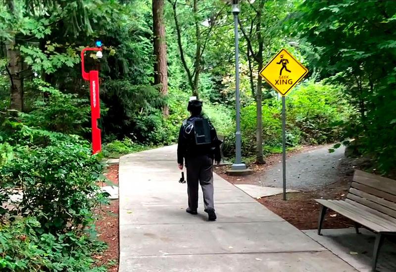 Microsoft предлагает гулять в реальном мире, не покидая виртуальный