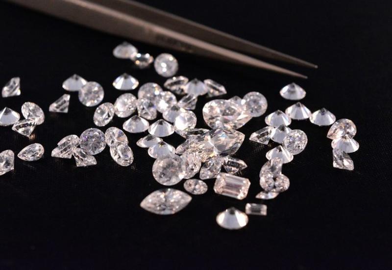 Добыча алмазов De Beers сократилась в III квартале