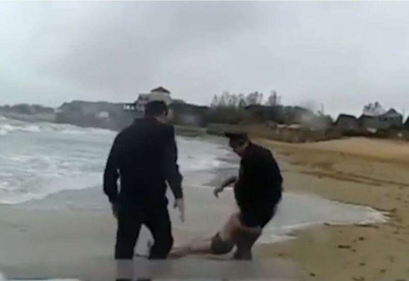 На Каспии спасли тонувшего мужчину