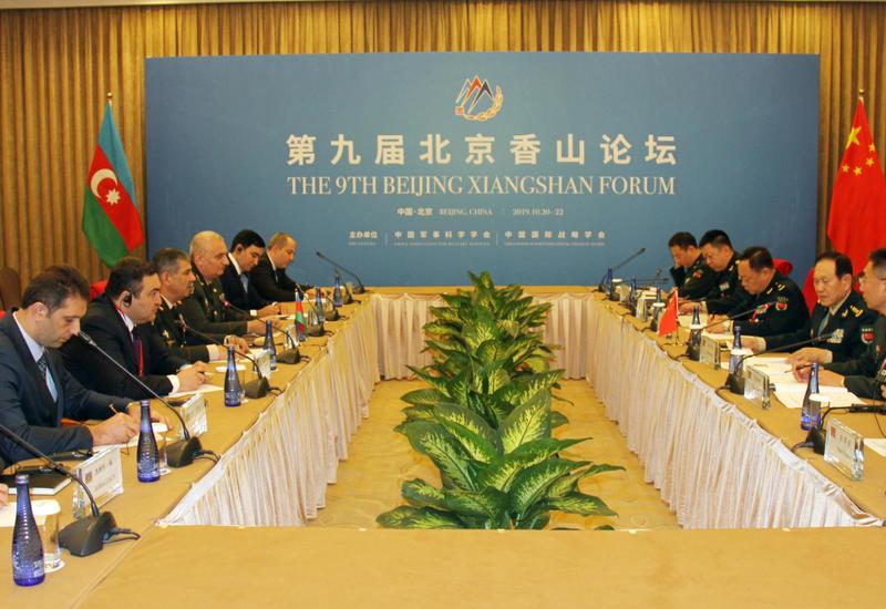 Закир Гасанов на переговорах с министром обороны Китая
