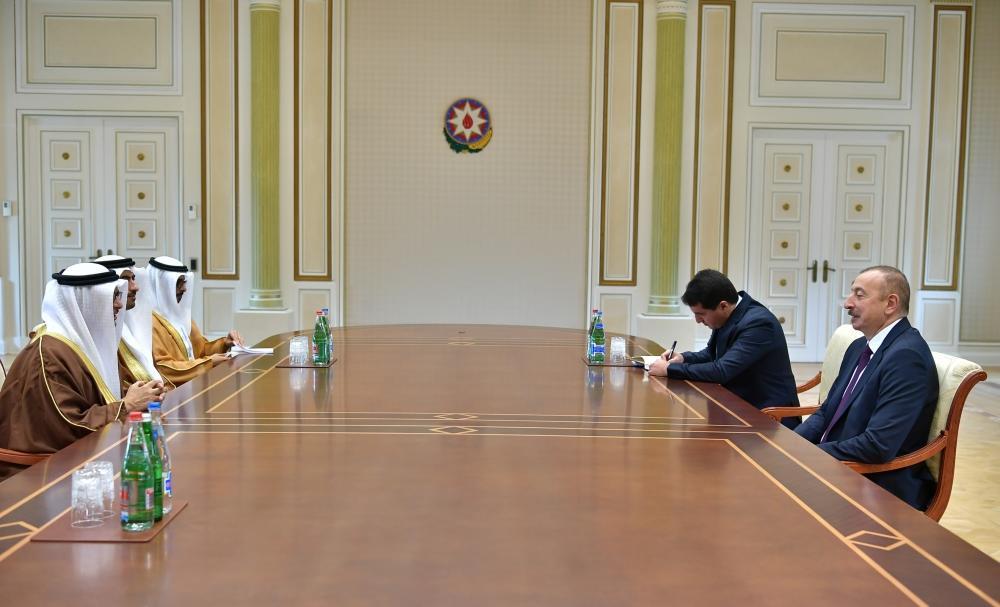Президент Ильхам Алиев принял делегацию во главе с госминистром ОАЭ по иностранным делам