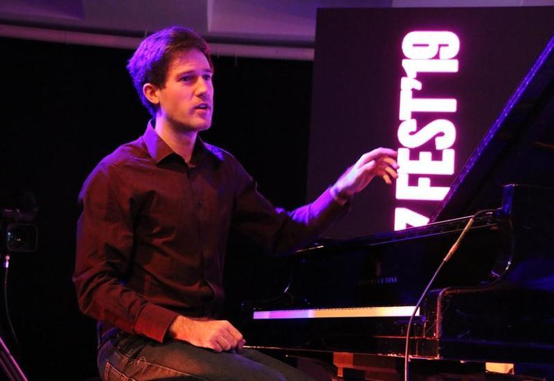 В Баку прошел концерт одного из лучших джаз-пианистов Восточной Европы