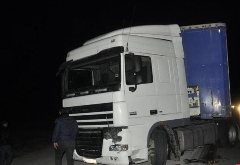 В Гаджигабуле грузовик сбил насмерть чиновника