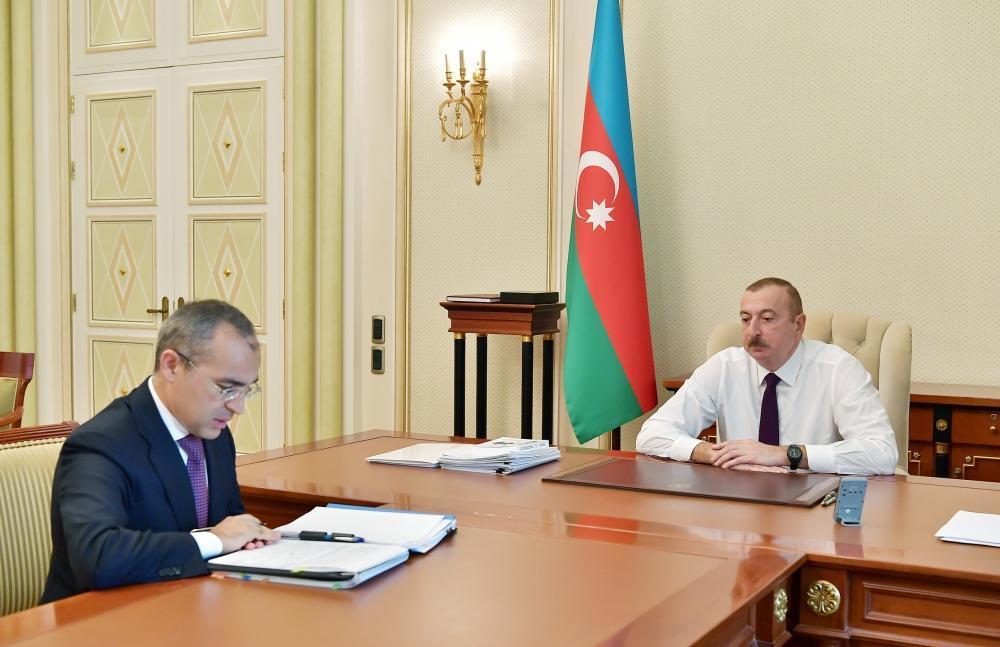Президент Ильхам Алиев принял Микаила Джаббарова в связи с назначением его на новую должность