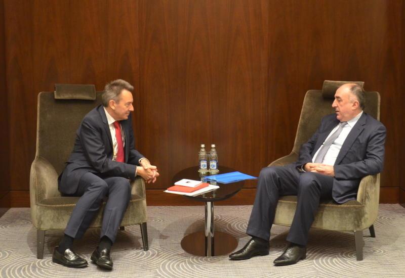 Эльмар Мамедъяров на переговорах с главой Красного креста