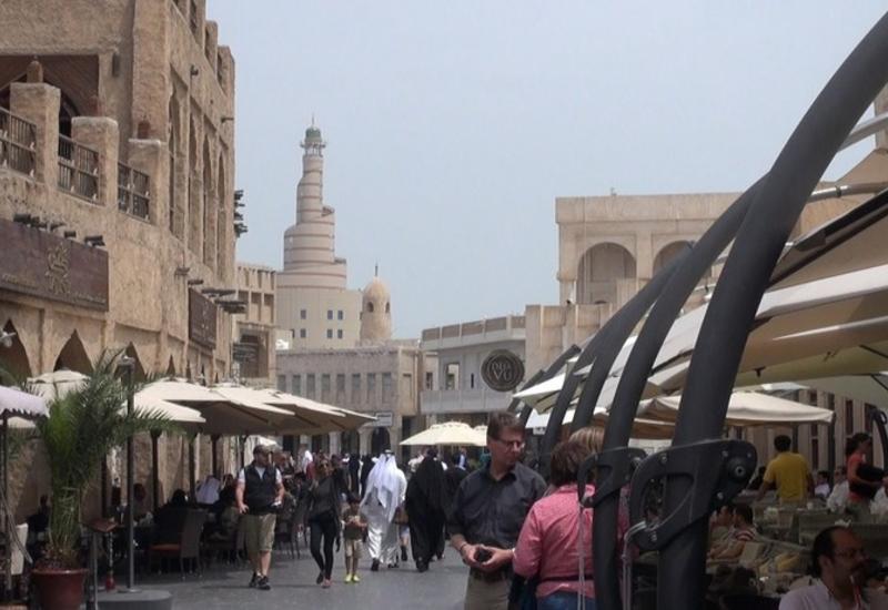В Катаре запустили уличные кондиционеры