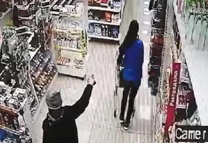 Российский школьник напал на магазин с пистолетом