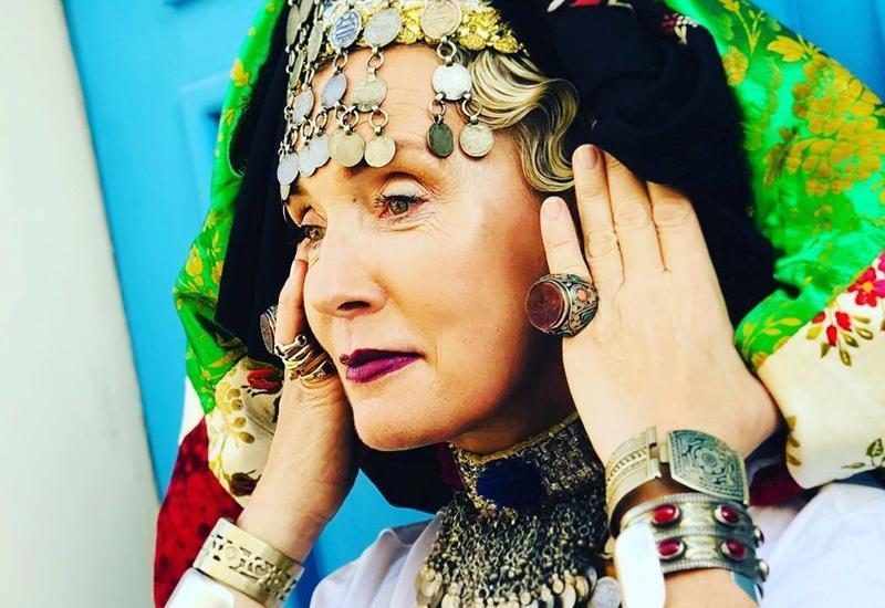 Гуру этикета Татьяна Полякова примерила азербайджанские наряды