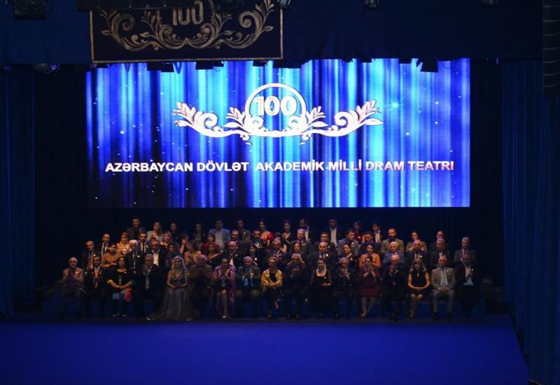 Большой театральный праздник в Баку