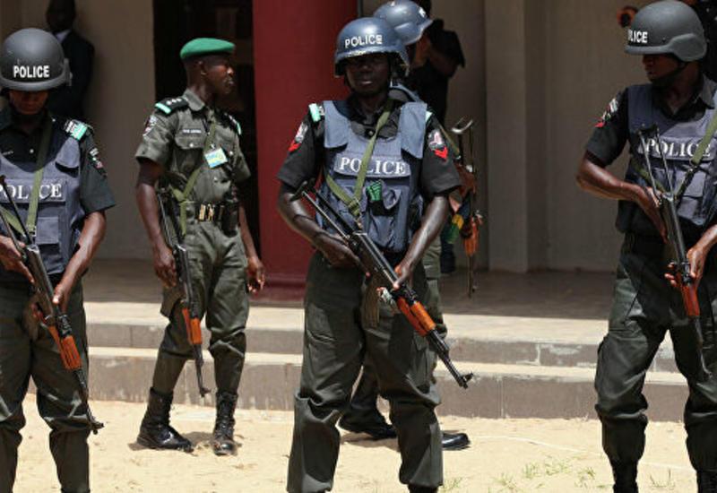 В Нигерии полиция освободила 15 человек, закованных в цепи в церкви
