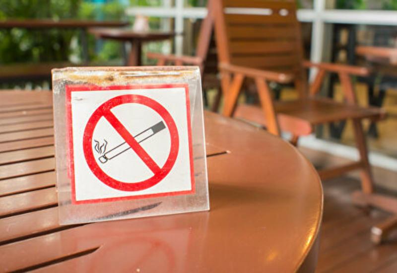 В Австрии вступил в силу полный запрет на курение в барах и ресторанах