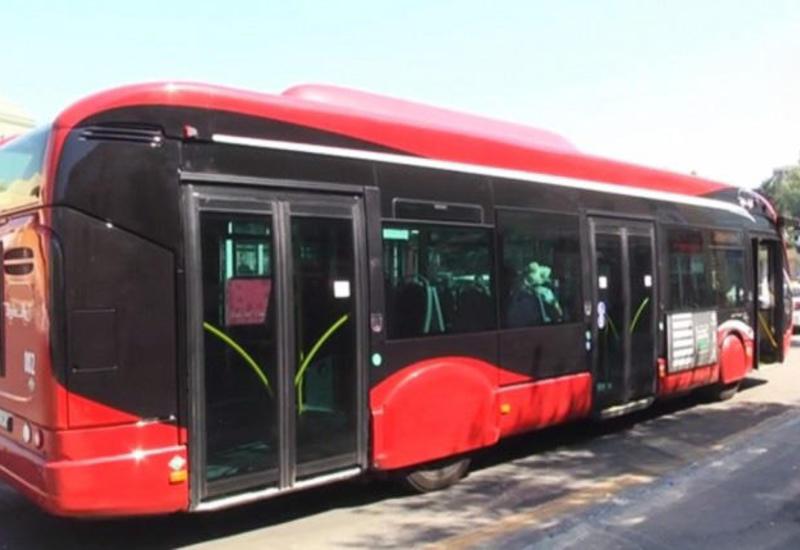 Бактрансагентство объяснило причину задержек в движении автобусов