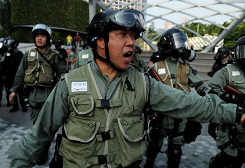 Полиция Гонконга применила слезоточивый газ для разгона митингующих