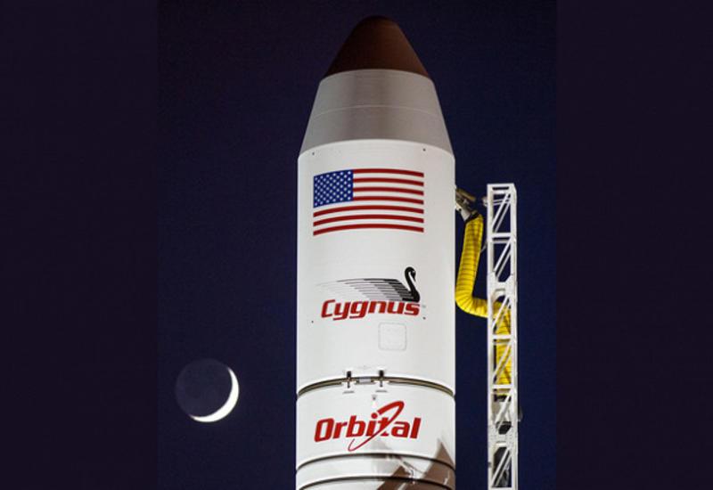 Экипаж МКС начал стыковку с грузовым кораблем Cygnus
