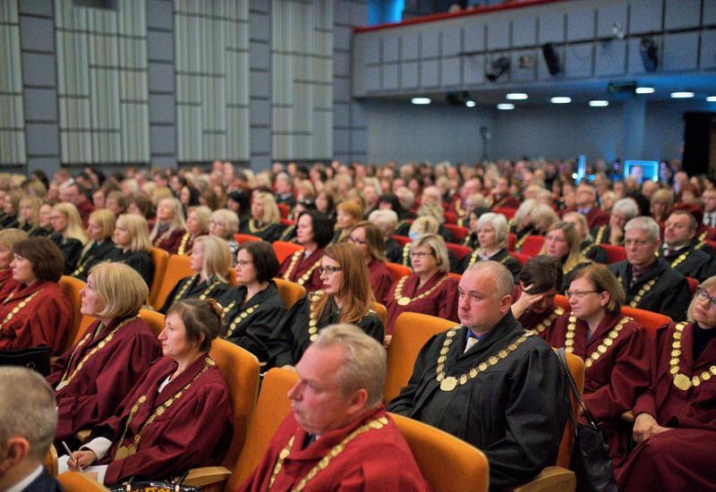 Президент Латвии принял азербайджанского судью
