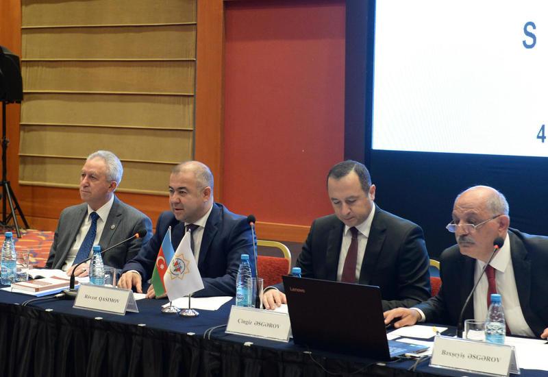 ЦИК Азербайджана провела семинар, посвященный рассмотрению обращений в связи с выборами