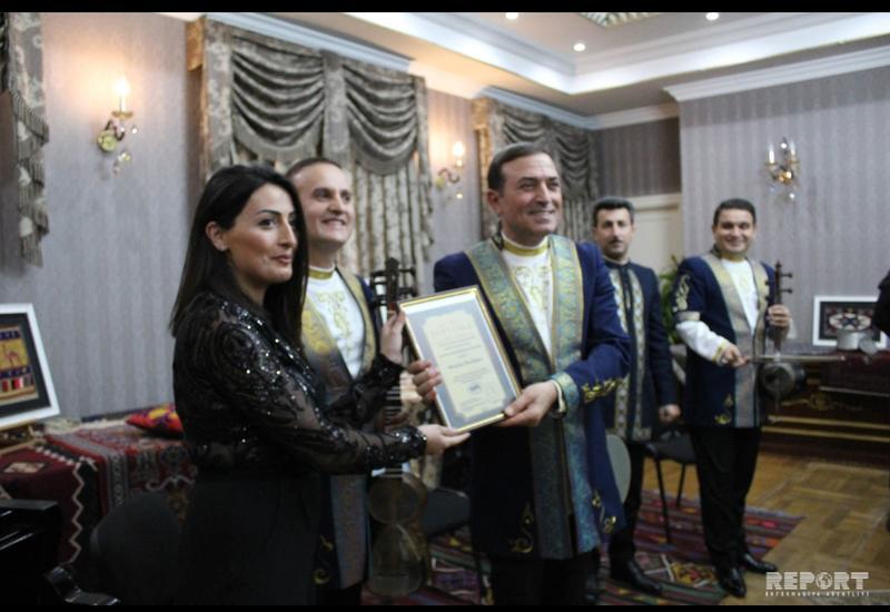 Центр мугама представил в Тбилиси теоретический проект «Dəyirmi masa»