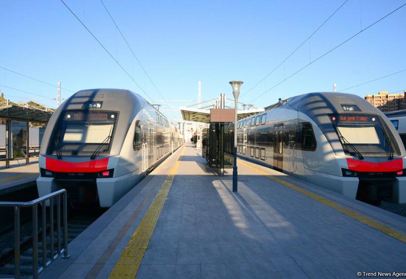 Меняется график движения скоростного поезда Баку-Гянджа