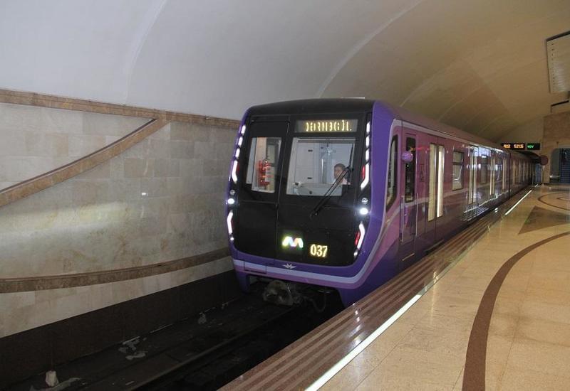 В работе бакинского метро произошел сбой