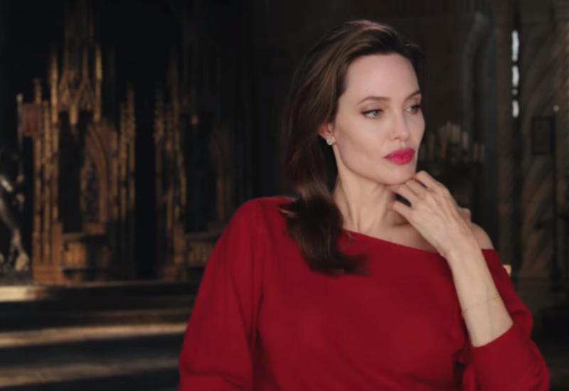 Анджелину Джоли эвакуировали с заминированной съемочной площадки