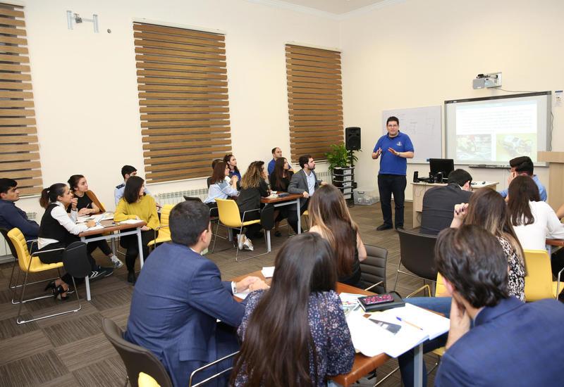 Инновация от БВШН: Впервые в Азербайджане роботы были использованы в бизнес-образовании