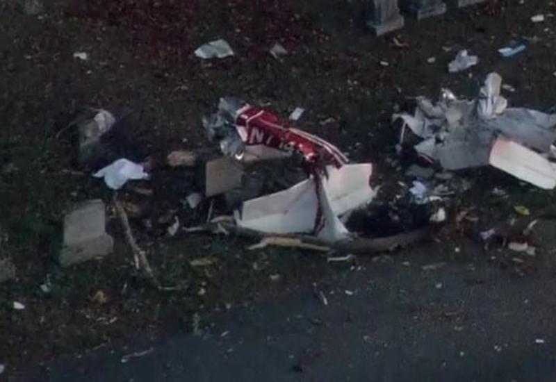 В США самолет разбился на сельском кладбище