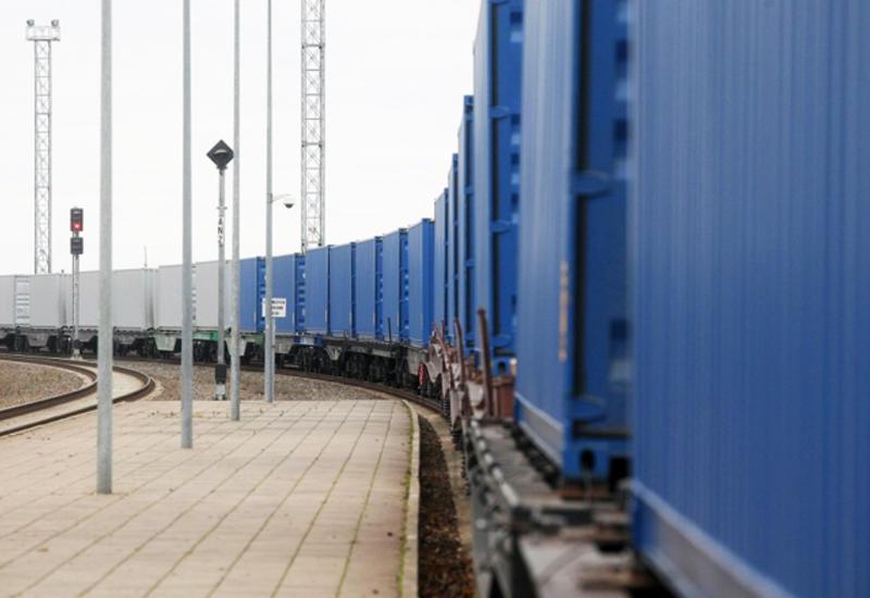 В Анкару прибудет грузовой поезд, следующий по ж/д БТК