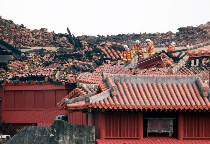 Жители Японии за неделю собрали $3,2 млн на восстановление сгоревшего замка Сюри