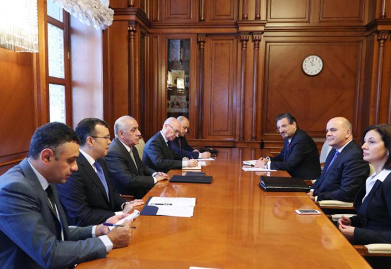 Премьер-министр Али Асадов встретился с министром труда и социальной политики Болгарии