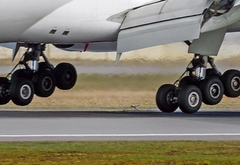 Самолет Boeing совершил экстренную посадку в Шереметьево