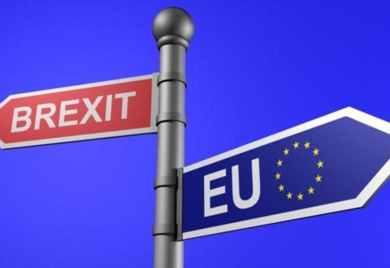 Еврокомиссия считает, что не нарушала обещание не пересматривать соглашение по Brexit