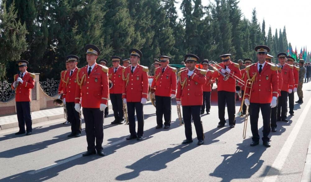В Азербайджане прошел марш по случаю Дня Государственного флага