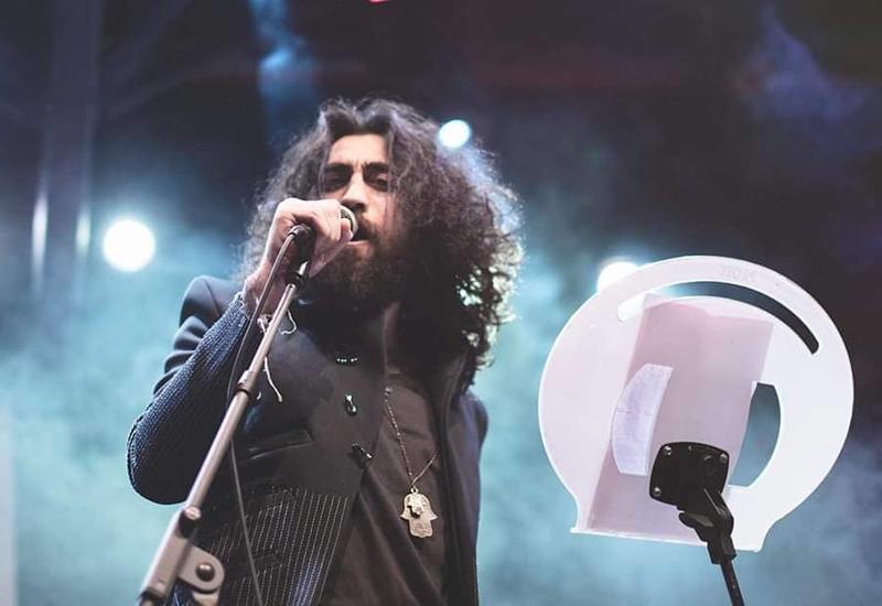 Молодой музыкант и актер Вюсал Рзасой: Путь артиста полон лишений