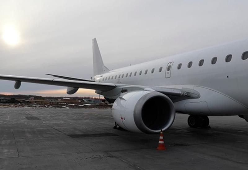 В России самолет загорелся на взлетной полосе