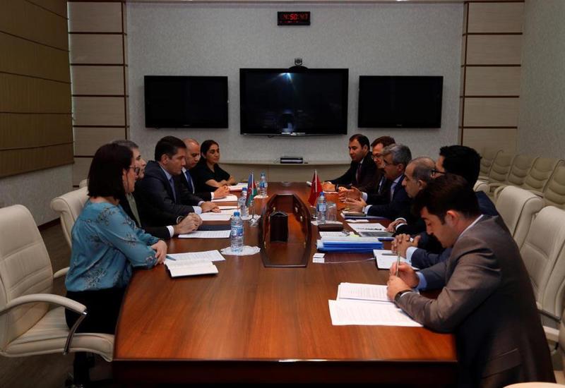 Азербайджан и Турция обсудили расширение сотрудничества в социальной сфере