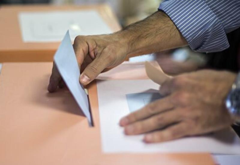 В Испании началось голосование на досрочных парламентских выборах