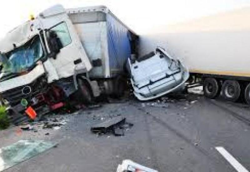Rusiyada yol qəzasında azərbaycanlı sürücü öldü