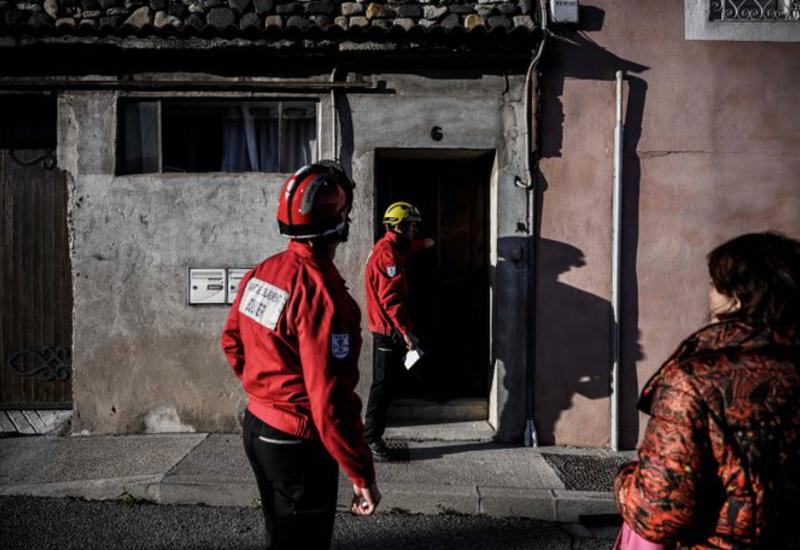 Землетрясение разрушило десятки домов во Франции