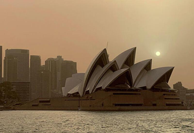 Жителям Сиднея посоветовали не покидать дома из-за дыма от лесных пожаров