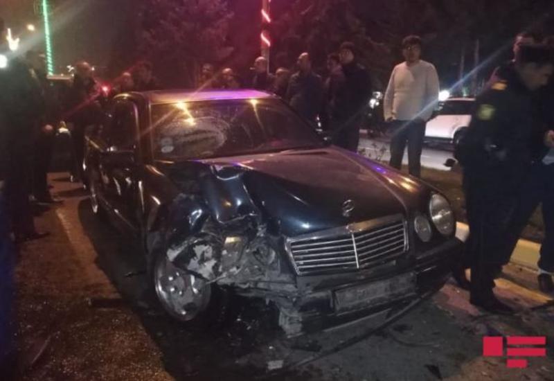 В Сумгайыте столкнулись 2 Mercedes, есть пострадавшие
