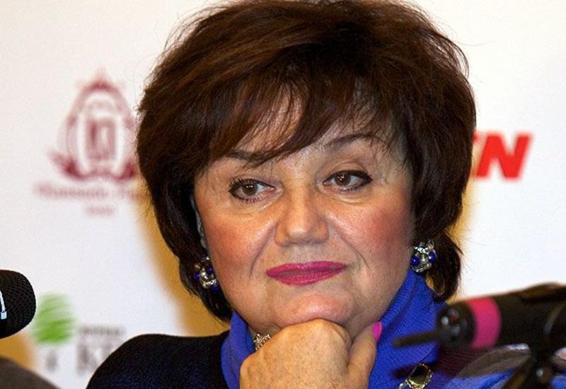 Госпитализирована вдова Муслима Магомаева Тамара Синявская