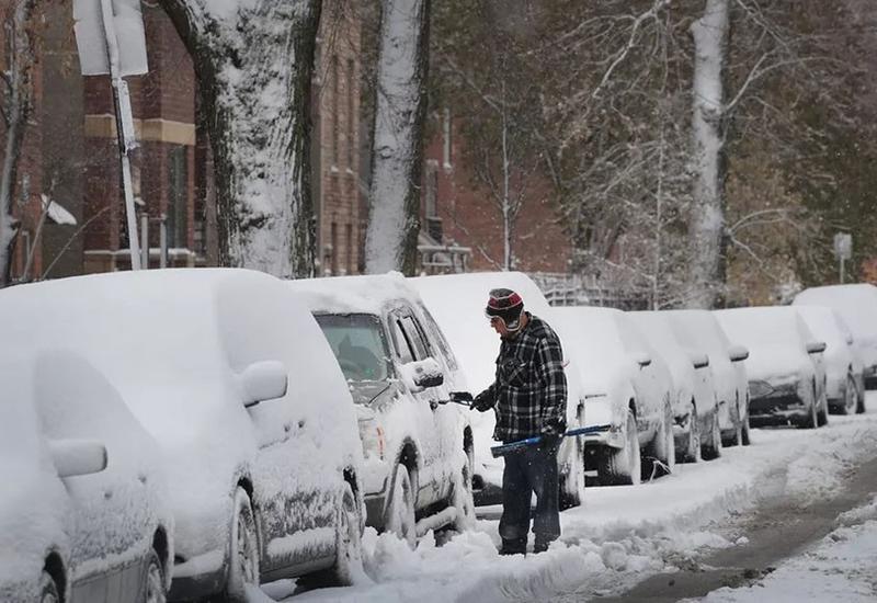 Снегопад парализовал работу аэропортов Чикаго