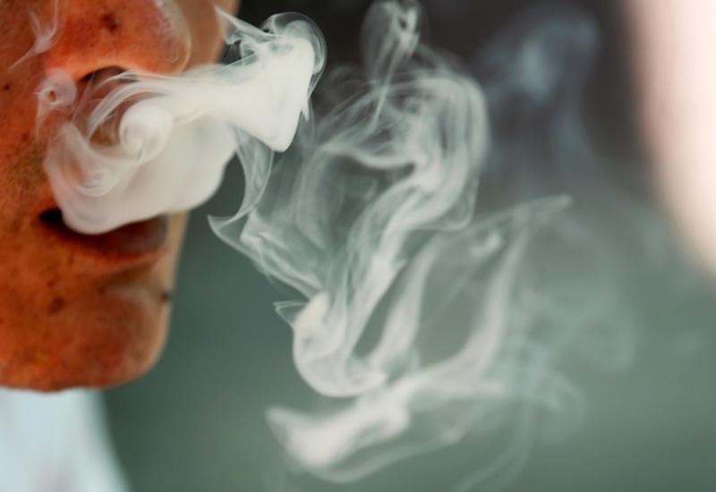 В США сделали первую пересадку легких курильщику вейпа