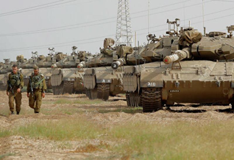Израильские танки стягиваются к сектору Газа